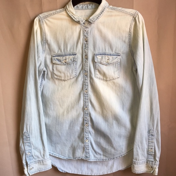 97f5277d013 Abercrombie   Fitch Tops - Abercrombie   Fitch women s denim shirt